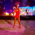 """Iris Mittenaere et Anthony Colette sur """"Bootylicious"""" dans """"Danse avec les stars 9"""" sur TF1, le 1er décembre 2018."""