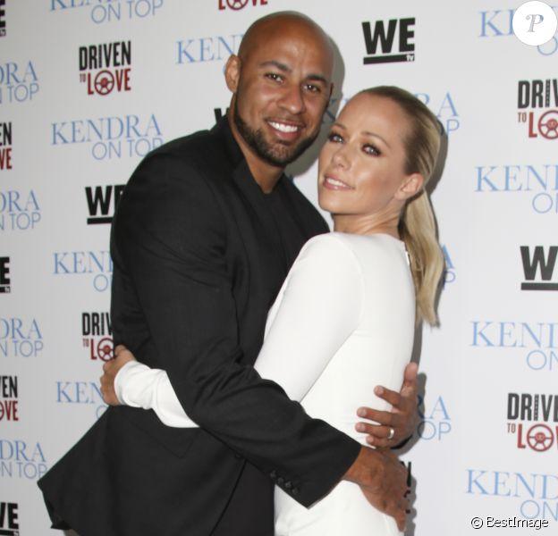 """Kendra Wilkinson et Hank Baskett à la première des émissions de télé-réalité """"Kendra On Top"""" et """"Driven to Love"""" à West Hollywood le 31 mars 2016"""