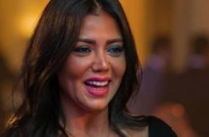 Rania Youssef: L'actrice risque la prison pour avoir porté une robe transparente