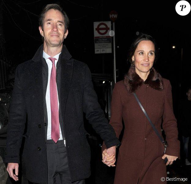 Pippa Middleton et son mari James Matthews - La famille Middleton à la sortie de l'église St Luke à Londres. Le 4 décembre 2018