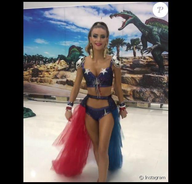 Le costume national d'Eva Colas dévoilé dans son intégralité. Concours Miss Univers 2018.
