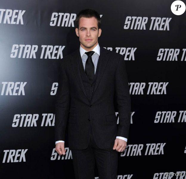 """Le séduisant Chris Pine, à l'occasion de l'avant-première de """"Star Trek"""", au Grauman's Chinese Theatre de Los Angeles, le 30 avril 2009 !"""