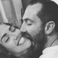 """Tiffany et Justin, ex-candidats de """"Mariés au premier regard"""" sont toujours en couple plus d'un an après s'être rencontrés."""