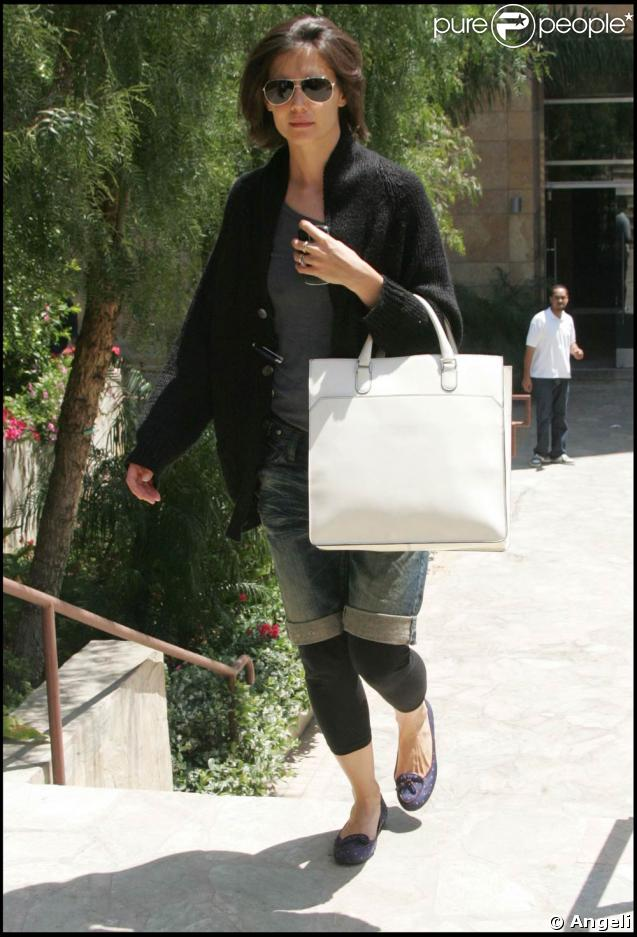 Katie Holmes à la sortie de son studio de danse à Hollywood