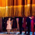 La reine Silvia entourée de sa famille - le prince Daniel, la princesse Victoria et la princesse Estelle, le roi Carl XVI Gustaf, le prince Carl Philip, la princesse Sofia, la princesse Madeleine, Christopher O'Neill - au théâtre Oscar à Stockholm le 18 décembre 2018 pour la célébration du 75e anniversaire de la reine Silvia.