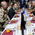 Emmanuel Macron a réveillonné avec les militaires de la force Barkhane sur la base militaire de Kossei à N'Djamena au Tchad le 22 décembre 2018. © Stéphane Lemouton / Bestimage