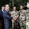 Emmanuel Macron lors de son allocution devant les militaires de la force Barkhane sur la base militaire de Kossei à N'Djamena au Tchad le 22 décembre 2018. © Stéphane Lemouton / Bestimage