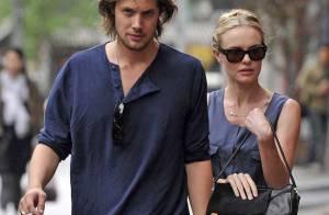 Kate Bosworth et son amoureux : tendres baisers en pleine rue !