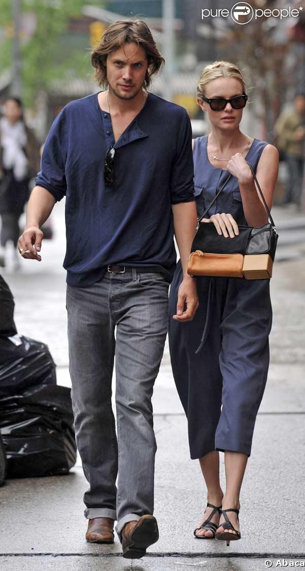 Kate Bosworth et son chéri James Rousseau dans les rues de New York