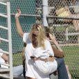 Pamela Anderson au parc à Malibu