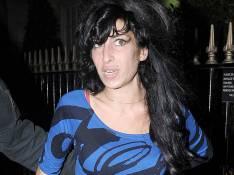 Après des mois de vacances, nouvelle rechute pour Amy Winehouse : son concert come-back à Londres est annulé...