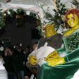 Heidi Klum et son compagnon Tom Kaulitz déguisés en Fiona et Shrek s'embrassent dans un carrosse à leur arrivée à la soirée annuelle Halloween à New York, le 31 octobre 2018.