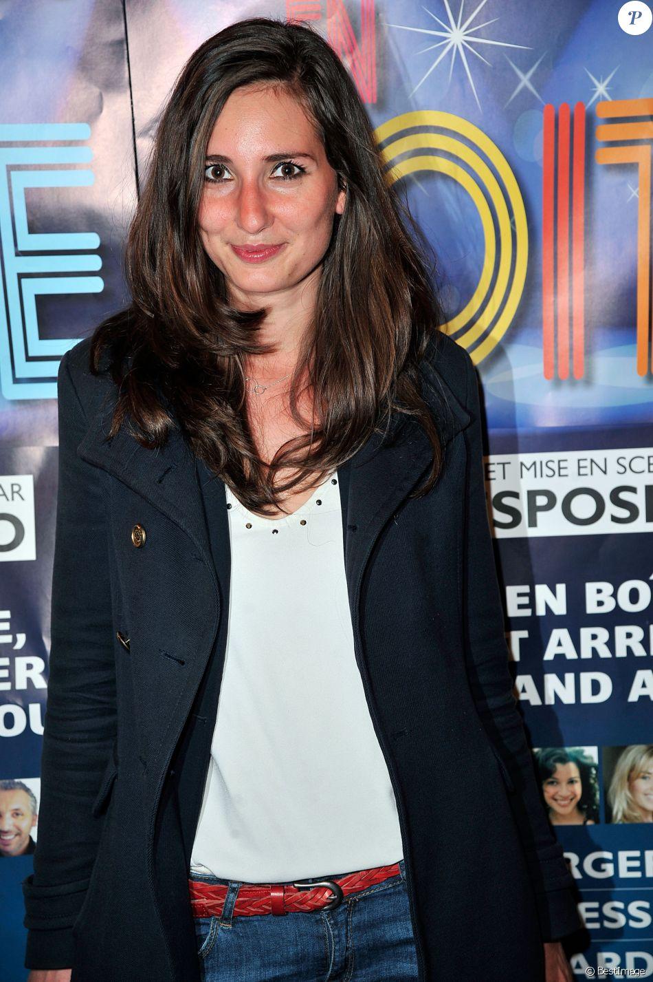"""Marie Portolano - Générale de la pièce de théâtre """"Rendez-vous en boîte"""" au théâtre de La Gaîté Montparnasse à Paris, le 7 avril 2014."""