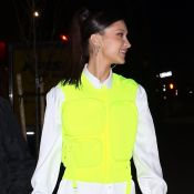 Bella Hadid : En gilet jaune, le top model illumine la nuit new-yorkaise