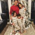 Mario, Courtney Lopez, leurs deux enfants et leur chien. Décembre 2018.