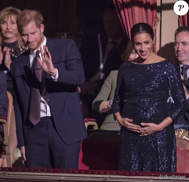 """Le prince Harry, duc de Sussex, et Meghan Markle, duchesse de Sussex, enceinte, à la représentation du 10ème anniversaire du spectacle du Cirque du Soleil """"Totem"""" au Royal Albert Hall à Londres, le 16 janvier 2019."""