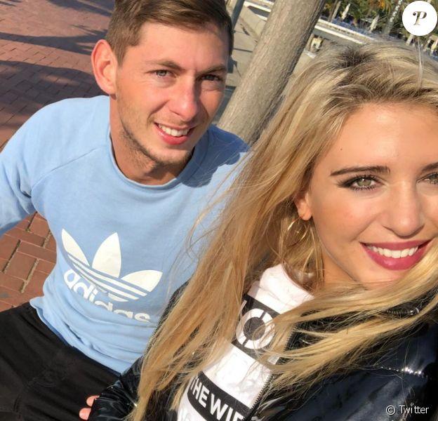 Emiliano Sala et Berenice Shkair, photo publiée par le mannequin argentin sur son compte Twitter le 22 janvier 2019, au lendemain de la disparition du footballeur à bord d'un avion qui le menait de Nantes à Cardiff.