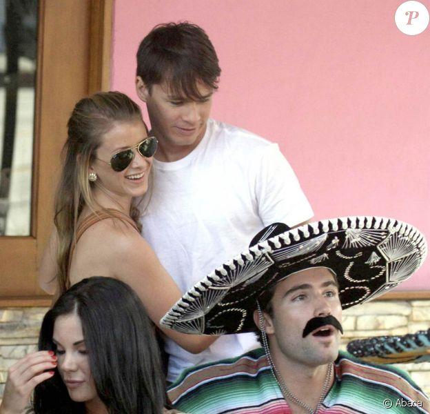 Anniversaire de Frankie Delgado, entouré du casting de The Hills ! Le 27 mai 2009 à Hollywood !