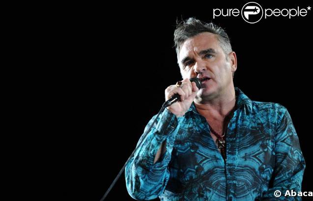 Morrissey a de sérieux problèmes de... voix. Plutôt gênant vu son métier...