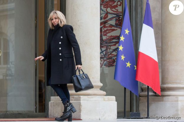 Brigitte Macron arrive au palais de l'Elysée à Paris le 6 février 2019. © Stéphane Lemouton / Bestimage