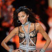 La magnifique Noémie Lenoir... un corps superbe exposé pour vous !