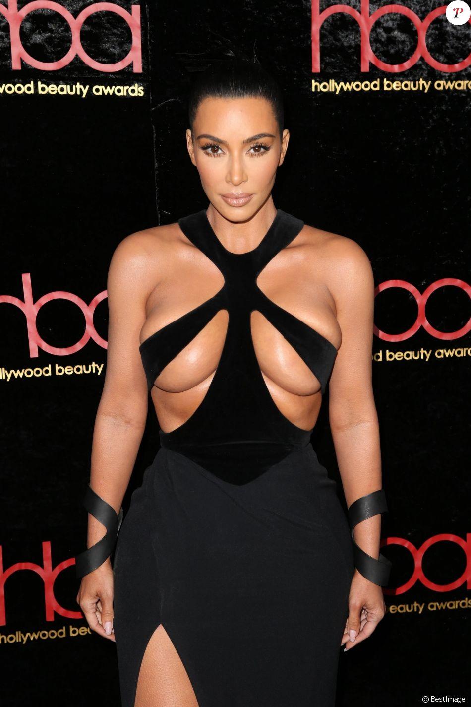 Kim Kardashian West - Les célébrités à la 5ème soirée annuelle Beauty Awards à Hollywood, le 17 février 2019.