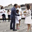 Le prince Joachim et la princesse Marie de Danemark lors de la visite d'Etat d'Emmanuel Macron et sa femme Brigitte, le 29 août 2018 à Copenhague sur le parvis du théâtre royal avant une réception.