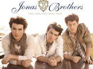 """Les Jonas Brothers ont-ils copié Kanye West ? Euh... pas vraiment ! La réponse en images avec le clip de """"Paranoid"""" !"""