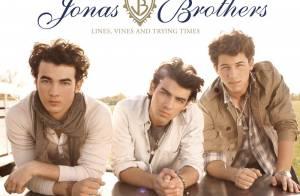 Les Jonas Brothers ont-ils copié Kanye West ? Euh... pas vraiment ! La réponse en images avec le clip de
