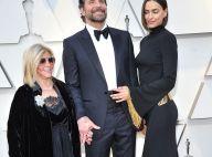 Bradley Cooper aux Oscars main dans la main avec sa mère et Irina Shayk