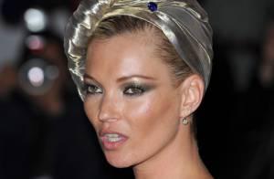 Kate Moss va encore vous en mettre plein le nez avec... son nouveau parfum !