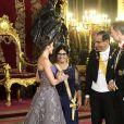 Le roi Felipe VI et la reine Letizia d'Espagne, laquelle portait pour l'occasion la robe Feipe Varela qu'on l'avait vue arborer en 2011 à la veille du mariage du prince William et de Kate Middleton, présidaient le 27 février 2019 au palais royal à Madrid à un dîner de gala en l'honneur de la visite du président du Pérou, Martin Alberto Vizcarra Cornejo.