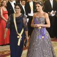Le roi Felipe VI et la reine Letizia d'Espagne, laquelle portait pour l'occasion la robe Felipe Varela qu'on l'avait vue arborer en 2011 à la veille du mariage du prince William et de Kate Middleton, présidaient le 27 février 2019 au palais royal à Madrid à un dîner de gala en l'honneur de la visite du président du Pérou, Martin Alberto Vizcarra Cornejo, et son épouse Maribel (photo).