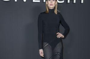 Fashion Week : Rosamund Pike et Amanda Lear, ravissantes au défilé Givenchy