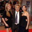 Dustin Hoffman avec sa femme Lisa et sa fille Karina à Londres pour la projection de Last Chance for Love le 3 juin 2009