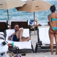 Le DJ David Guetta et Jessica Ledon sur une plage à Miami, le 09 mars 2019.