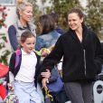 Exclusif - Jennifer Garner est allée chercher sa fille Seraphina à la sortie des classes à Los Angeles, le 27 février 2019. Elle a ensuite organisé une fête pour l'anniversaire de son fils Samuel, avec son ex-mari Ben Affleck.