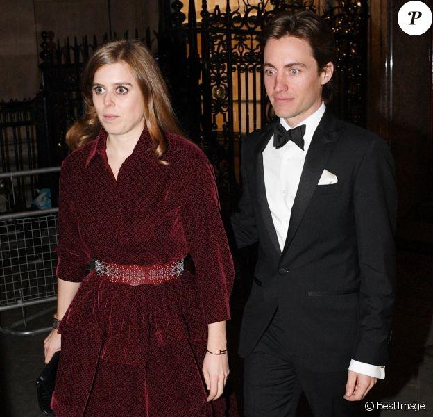 La princesse Beatrice d'York et son compagnon Edoardo Mapelli Mozzi ont pris part le 12 mars 2019 à Londres au gala de la National Portrait Gallery, sous le patronage de Kate Middleton. Il s'agissait de leur première apparition officielle en couple, six mois après le début de leur histoire d'amour.