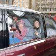 """La reine Elisabeth II d'Angleterre, accompagnée par Catherine Kate Middleton, duchesse de Cambridge, à son arrivée à la """"Bush House"""" à Londres le 19 mars 2019."""