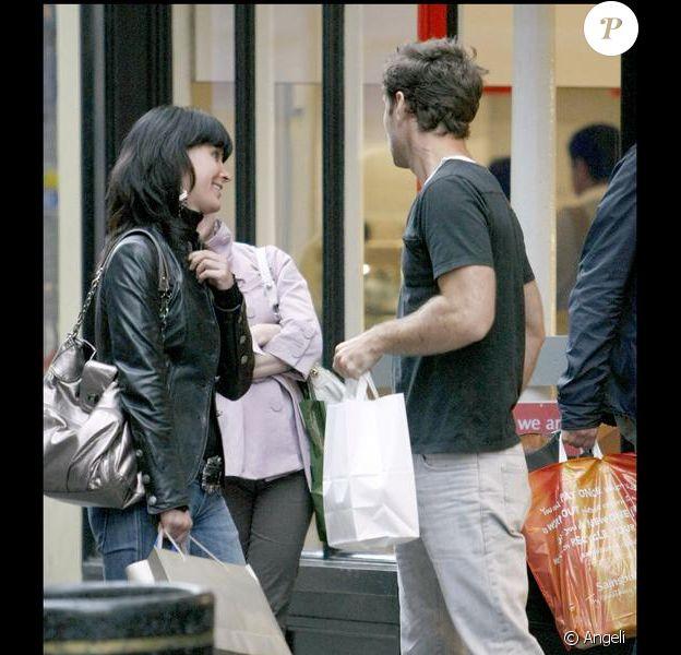 Jude Law en plein séance drague à Londres...