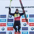 Martin Fourcade remporte le Petit Globe de la poursuite de Tyumen lors de la Coupe du Monde de biathlon. Le 24 mars 2018.