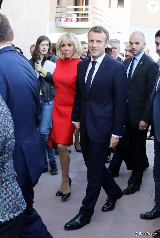 Le président de la République française Emmanuel Macron et sa femme la Première Dame Brigitte Macron (Trogneux) - Le président de la République française et sa femme la Première Dame visitent la Maison Charles-Aznavour à Erevan, Arménie, le 11 octobre 2018. © Dominique Jacovides/Bestimage