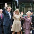 Maxima, Willem-Alexander et Beatrix des Pays-Bas visitent l'exposition consacrée au centenaire de la naissance de feue la reine Juliana
