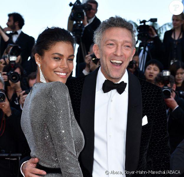 La mannequin Tina Kunakey, 21 ans, et son mari, Vincent Cassel, 52 ans, le 12 mai 2018, à Cannes.