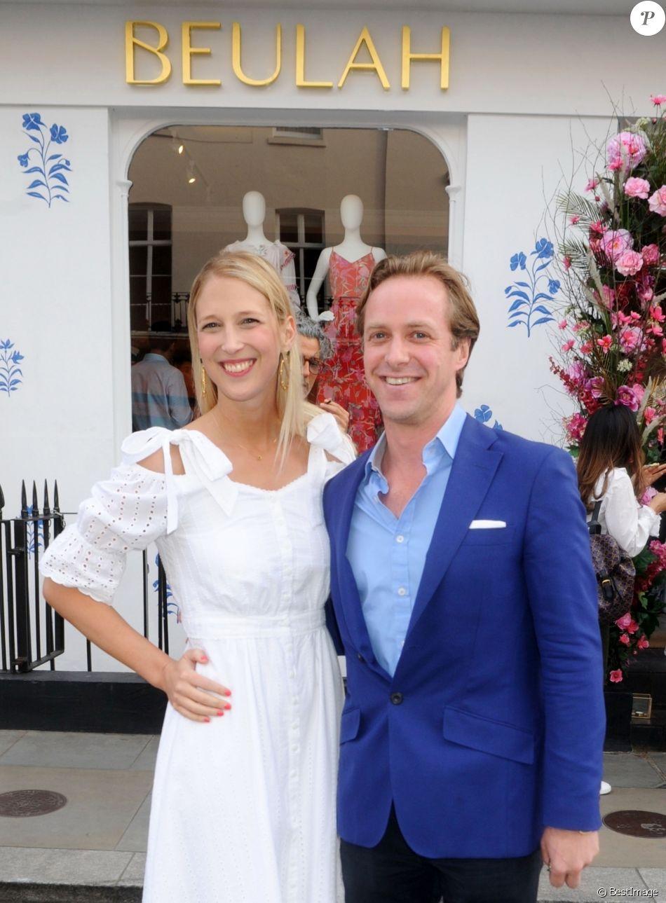 """Lady Gabriella Windsor et Thomas Kingston à l'inauguration du magasin """"Beulah"""" à Londres, le 16 mai 2018. Fiancés en août 2018, ils se marieront au printemps 2019."""