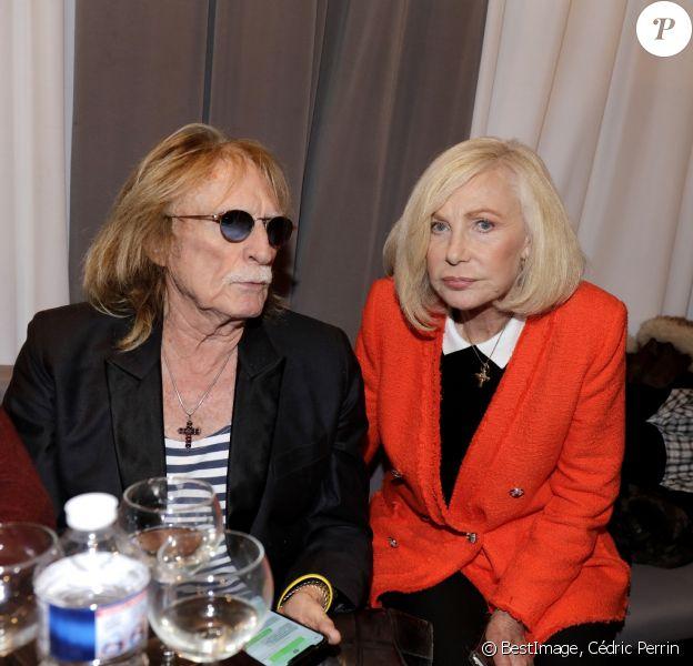 Exclusif - Michèle Torr et le chanteur Christophe se retrouvent en backstage lors du concert de Marcel Amont à l'occasion de son 90ème anniversaire à l'Alhambra à Paris le 2 avril 2019. © Cédric Perrin/Bestimage