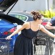 Exclusif - Eva Longoria sort d'un supermarché à Los Angeles, le 14 avril 2019.
