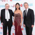 Summer Redstone (Président de Viacom), Catherine Zeta-Jones et Michael Douglas à la 37ème soirée AFI, à Los Angeles, hier