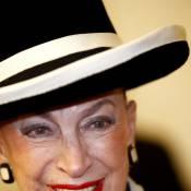 Geneviève de Fontenay range sa fierté... dans son chapeau !