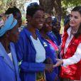 La reine Letizia d'Espagne en visite à l'hôpital de campagne START à Dondo au Mozambique le 30 avril 2019 lors de sa visite en lien avec la Coopération internationale espagnole.